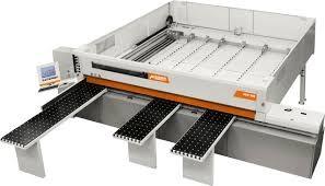 scie à panneaux horizontale automatique AXO 300